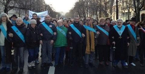 Francs-maçons défilant le 27 janvier 2013